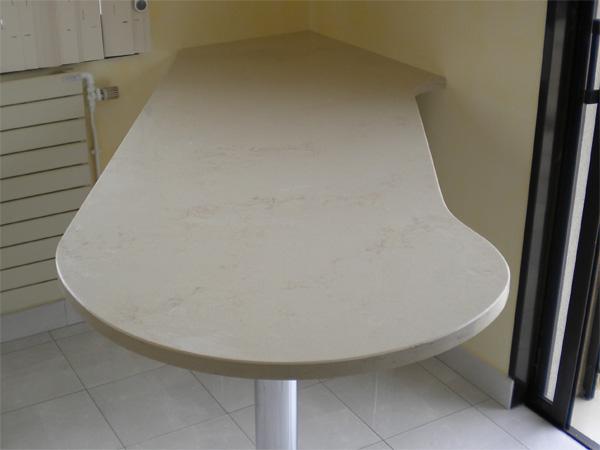 mobilier-granit-quartz-table-okite-crema-marfil