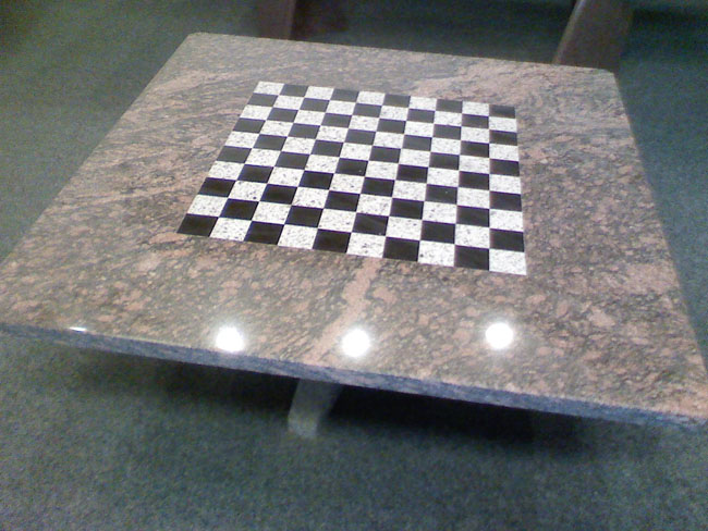 mobilier-granit-table-echec