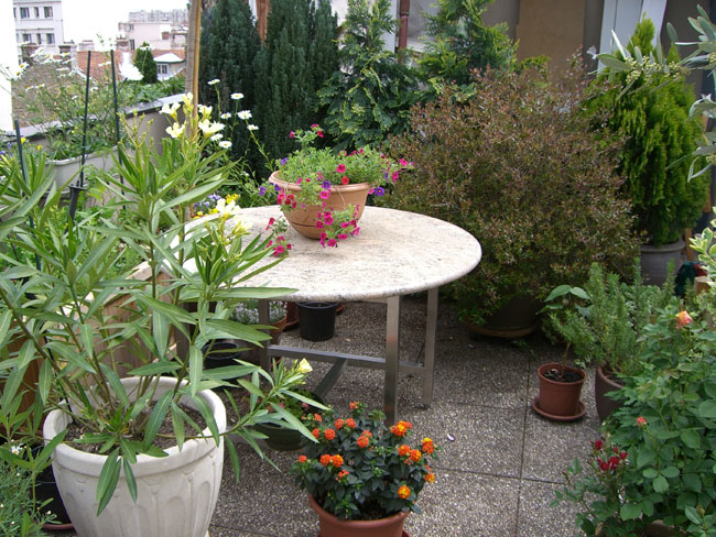 mobilier-granit-table-jardin