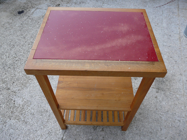 mobilier-table-desserte-roulante-marbre-granit-quartz-starlight-ruby-rouge